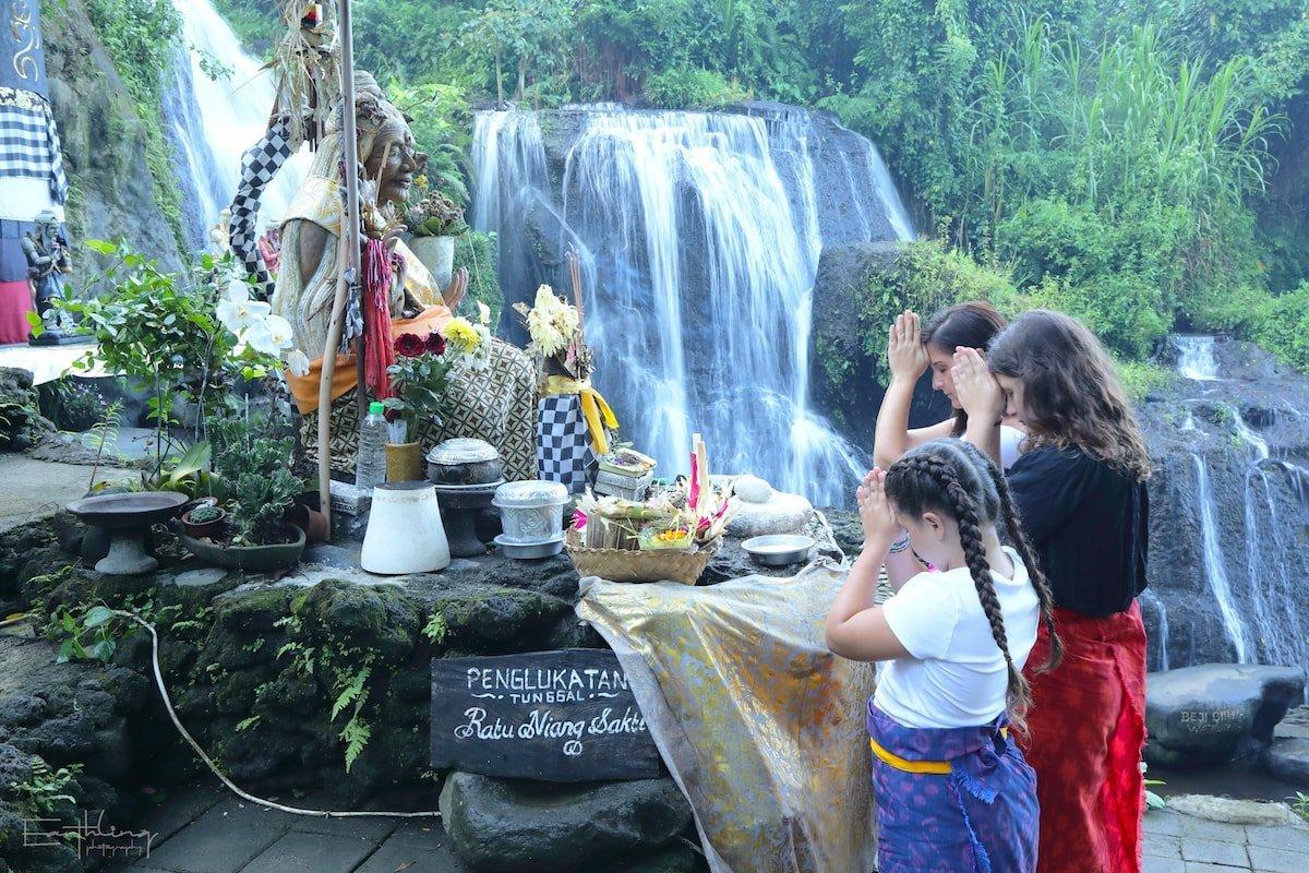 Balinese-Village-Tour-Praying-at-the-Holy-Water-Bali-Buddies (1)