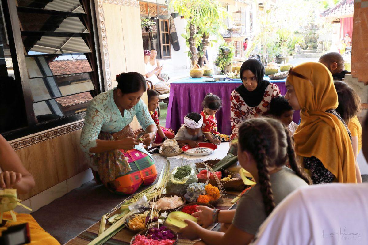 Balinese-Village-Tour-The-Making-of-Canang-Sari-Bali-Buddies-1200x800