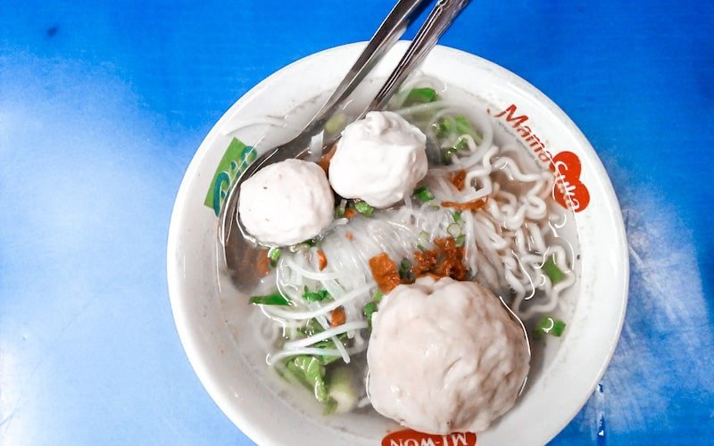 Bakso in a bowl at Sindhu night market