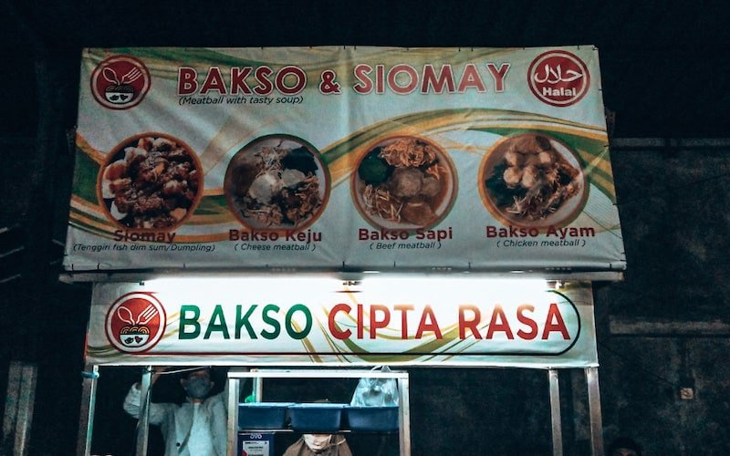 Bakso stand at Sindhu night market