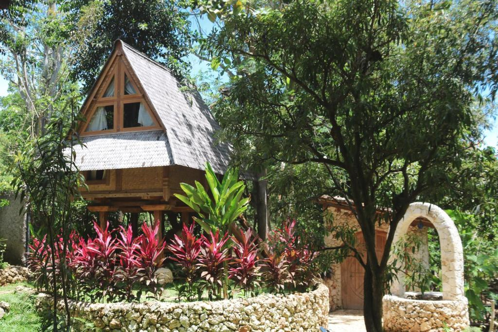 Exterior view of Roots Tree House Ungasan, Bali