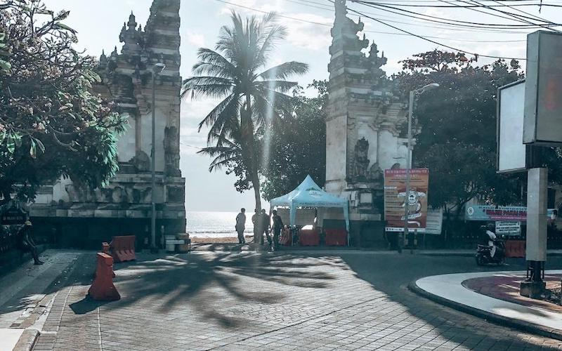 The main street in Kuta, Bali, without traffic congestion