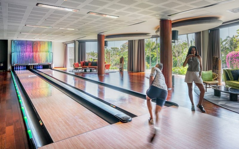 The Edge Uluwatu - Bowling | Where to catch a movie in Bali right now, by Bali Buddies