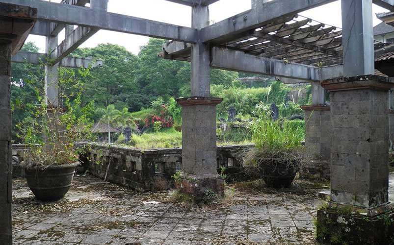 Ghost Palace Hotel Bali | Bali's Best Haunted Places | Abandoned Places in Bali