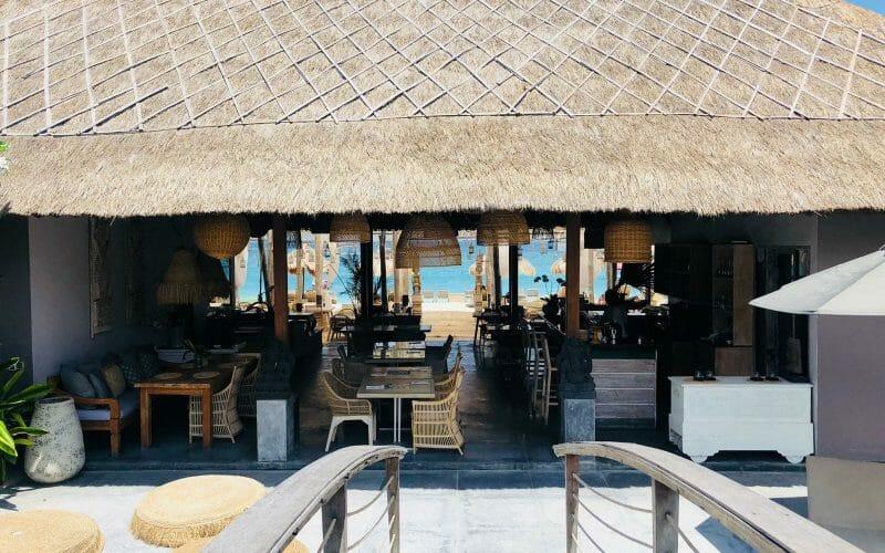 Lembongan-Restaurant-with-Ocean-View-800x500