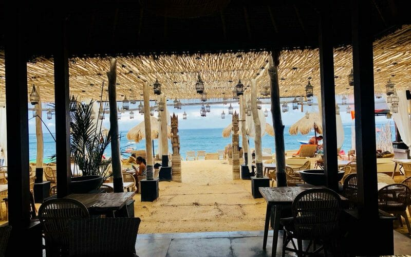 Lembongan-Restaurant-with-Sea-View-800x500