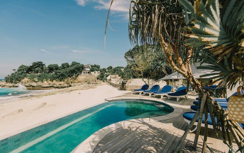 Sandy-Bay-Beach-Club-Pool-800x500