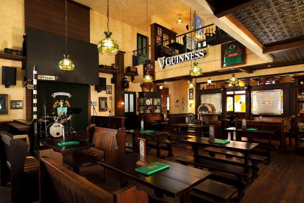 Gracie-Kelly-Sports-Bar-Bali