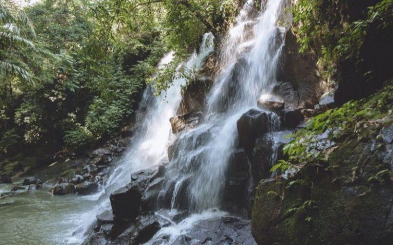 Kanto Lampo Waterfalls