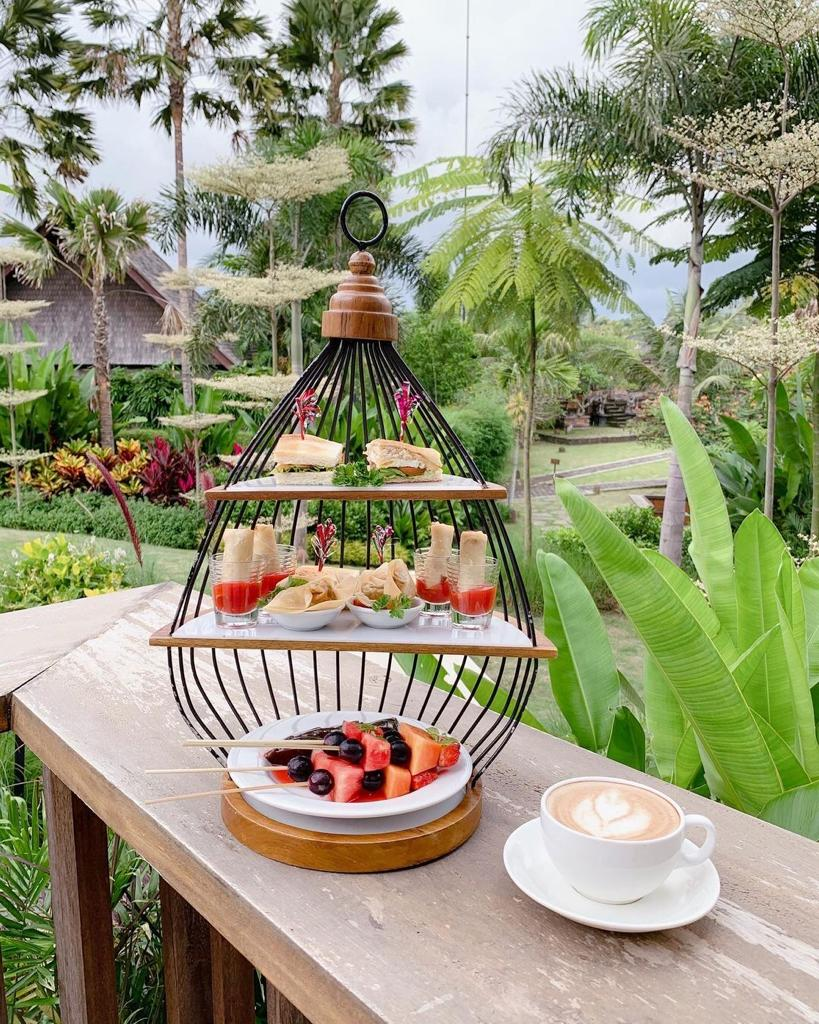 Afternoon tea time at Snctoo Suites and Villas