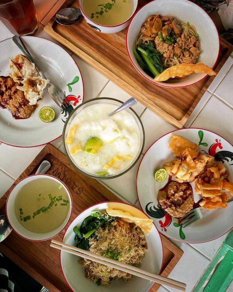Eat and drink in Sajiwa by Bu Cici