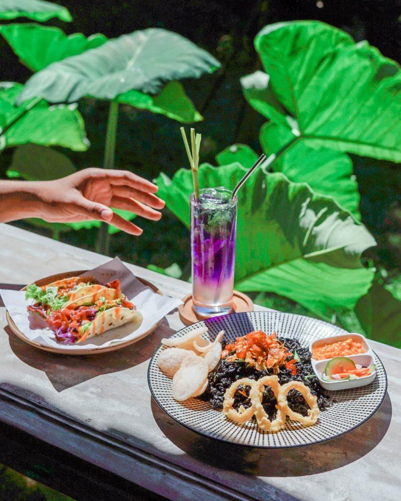 Eat and drink at Lusi & Pakan