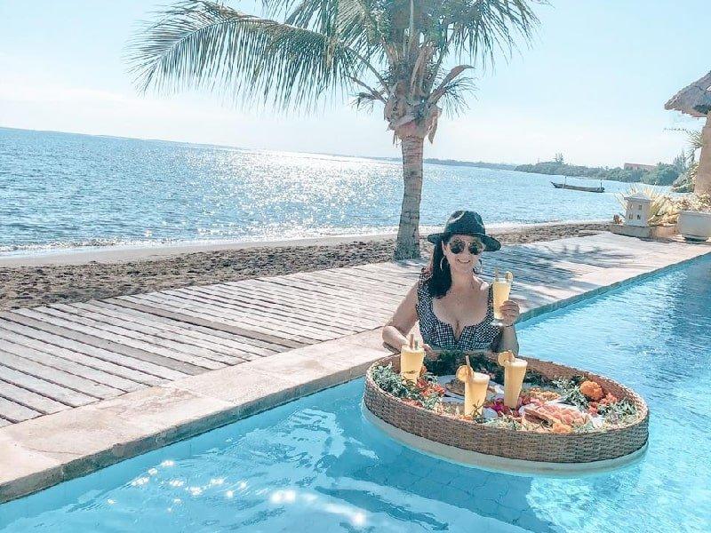 Floating Breakfast at The Villas North, Lovina