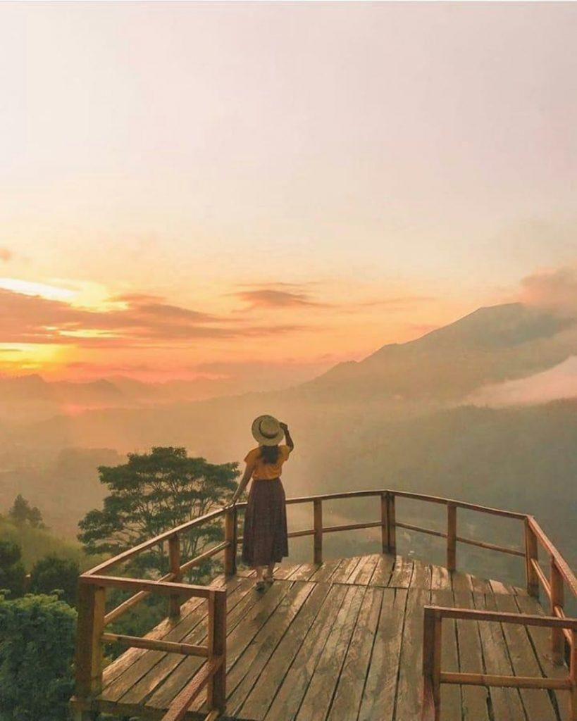 Sukawana Sunrise as the sun goes down