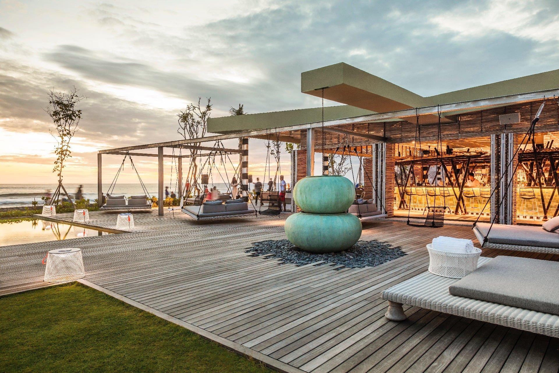 COMO Beach Club - Exterior