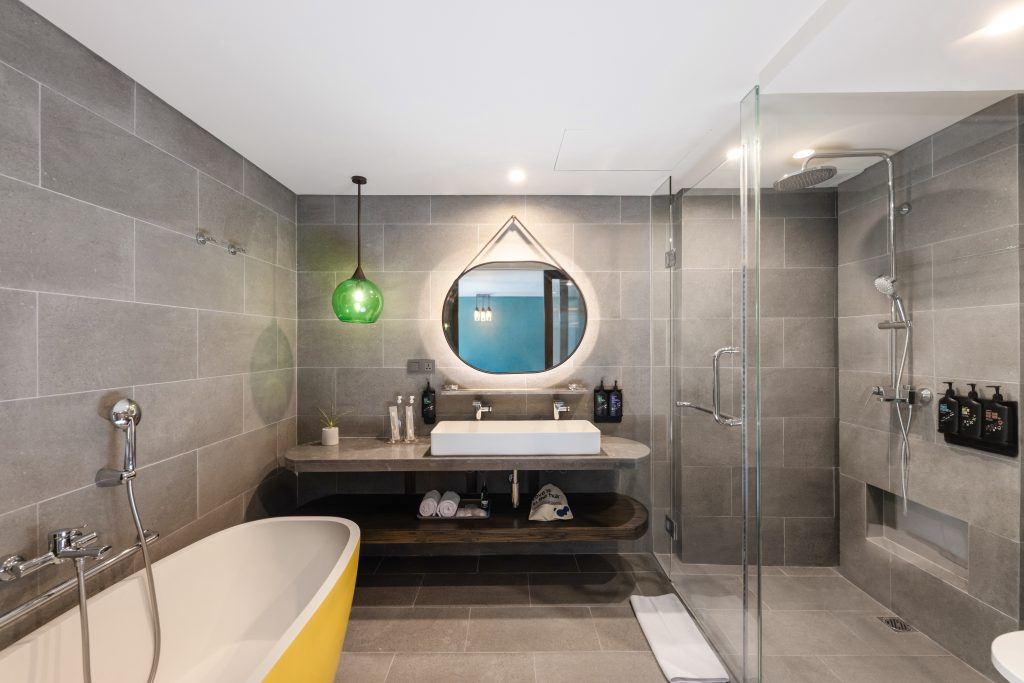 Swagger Suite - Bathroom